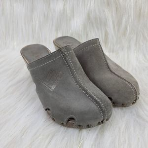 S. Oliver Suede Clog Mules Cut Out Embossed